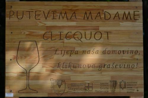 Putevima Madame Cliqout